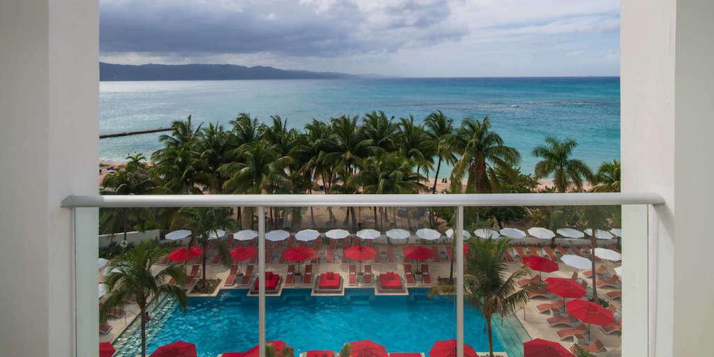 Montego_Bay,_S_Hotel_Jamaica-Sky_Club_Spa_Suite_649_-8_j0jc0s