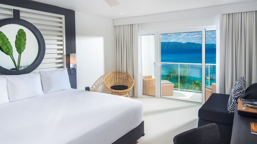 Ocean_View_Junior_Suite_King,_S_Hotel_Jamaica,_Accommodation_in_Montego_Bay_2