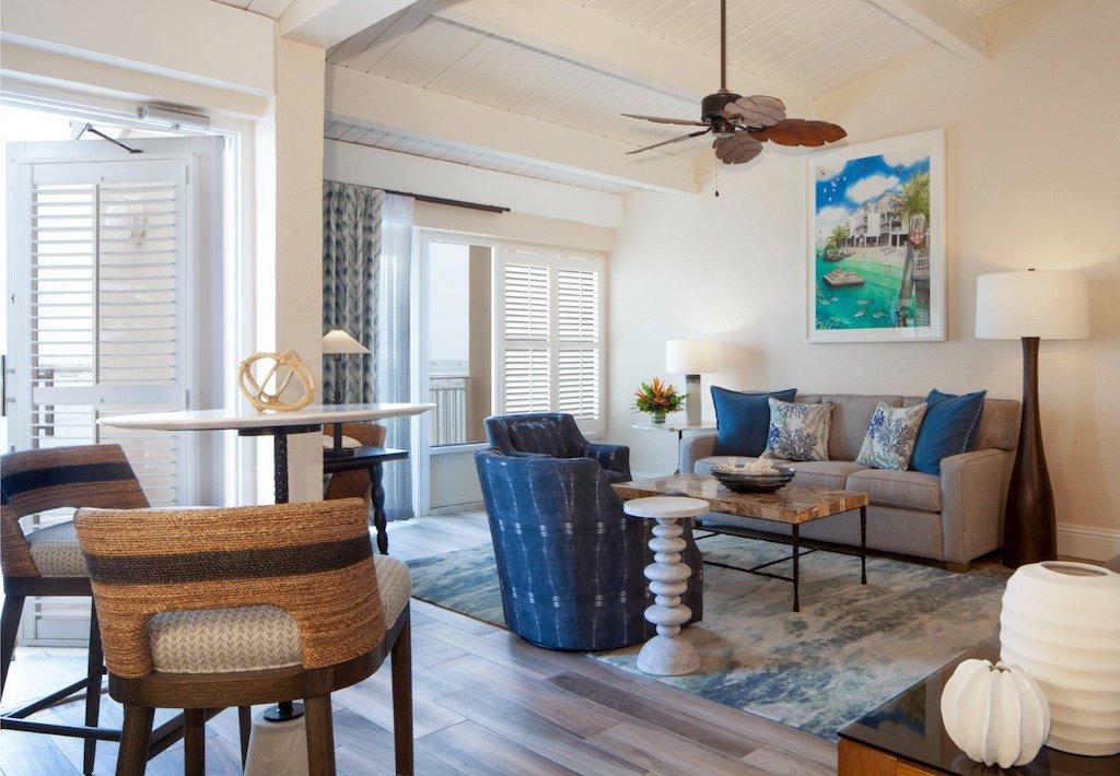 PKW-lux-OV-401_living_room_sml