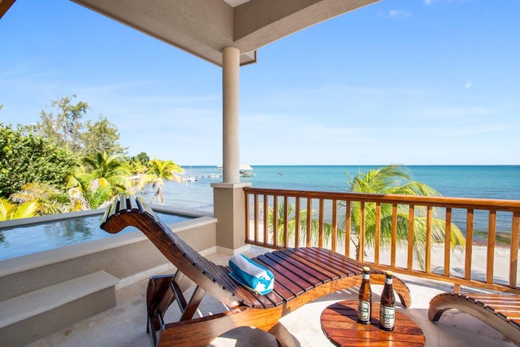 Pelican-Bungalow-Upstairs-Balcony-Plunge-Pool-Sirenian-Bay-Luxury-Vacation-Rental-Belize-11