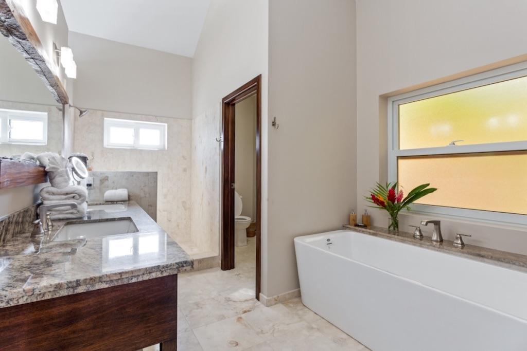 Pelican-Bungalow-Upstairs-Bathroom-2-Sirenian-Bay-Luxury-Vacation-Rental-Belize-17