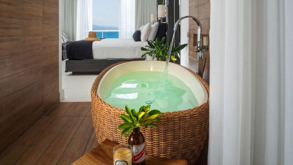 S_Hotel_Jamaica_-_Ocean_View_Spa_Suite_1500x844_swvo8o_svzveb