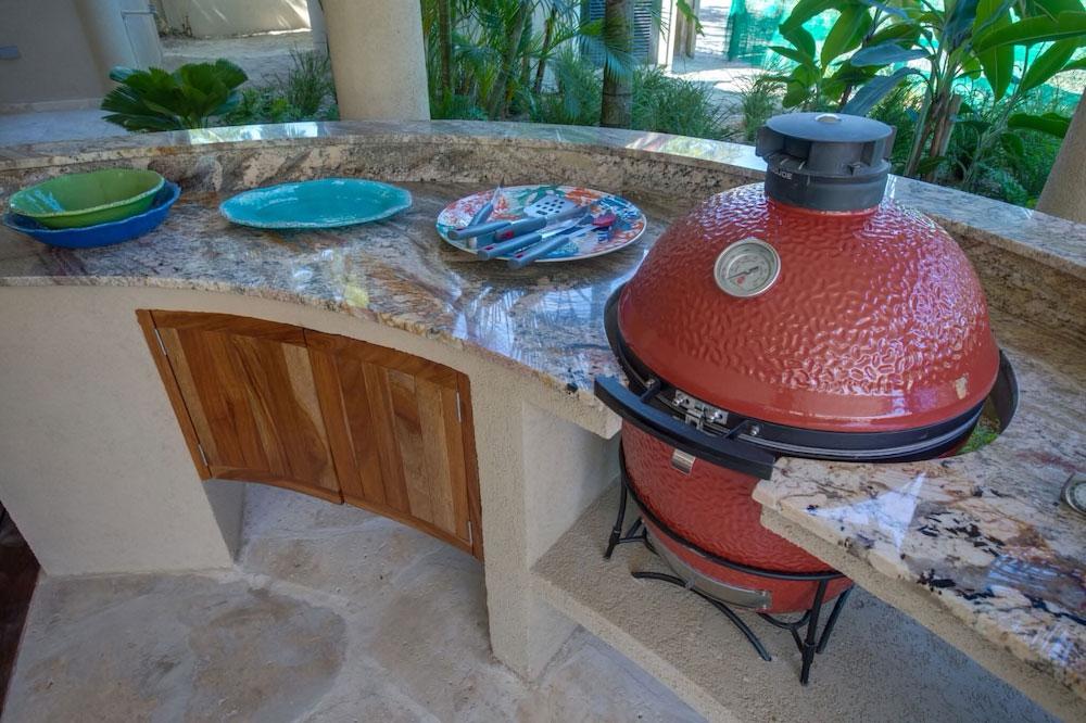 Sirenian_Belize-hero-grill-42