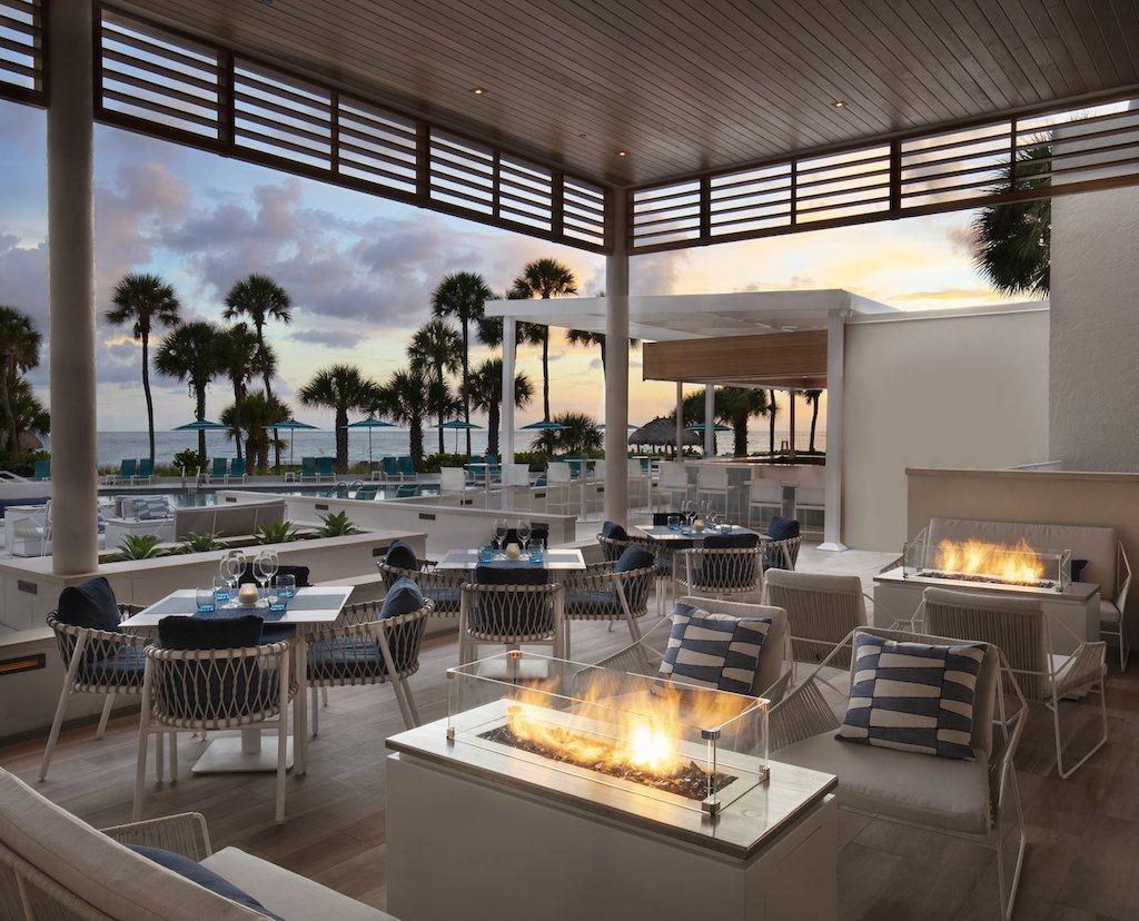The-Resort-at-Longboat-Key-Club-Latitudes-Restaurant-Outdoor-Lounge-Dusk_2